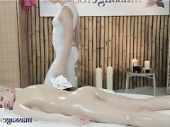 Babe, Massage